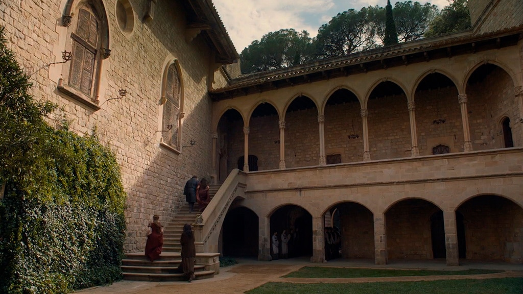 CastleofSantaFlorentina_HornHill_SpainInside