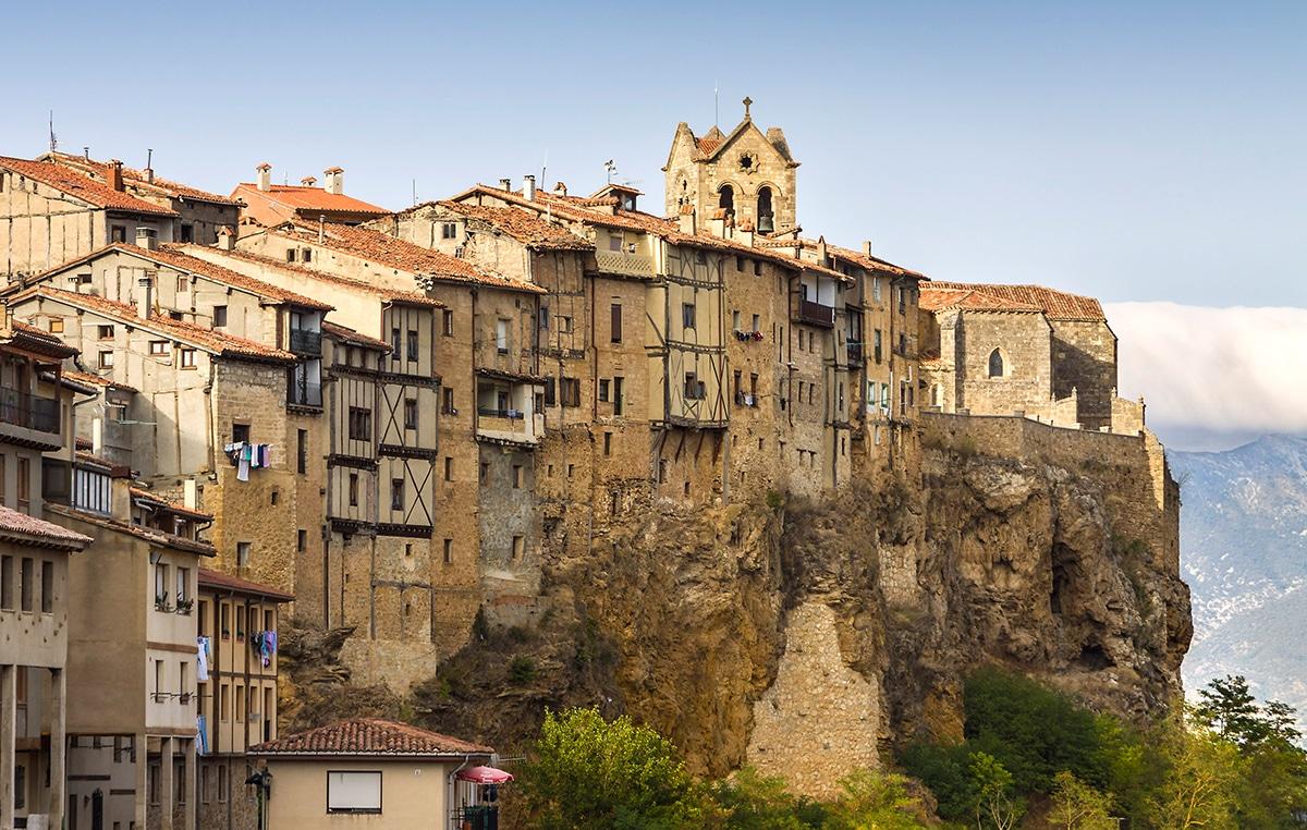 4_Frías,_Burgos_SpainInside