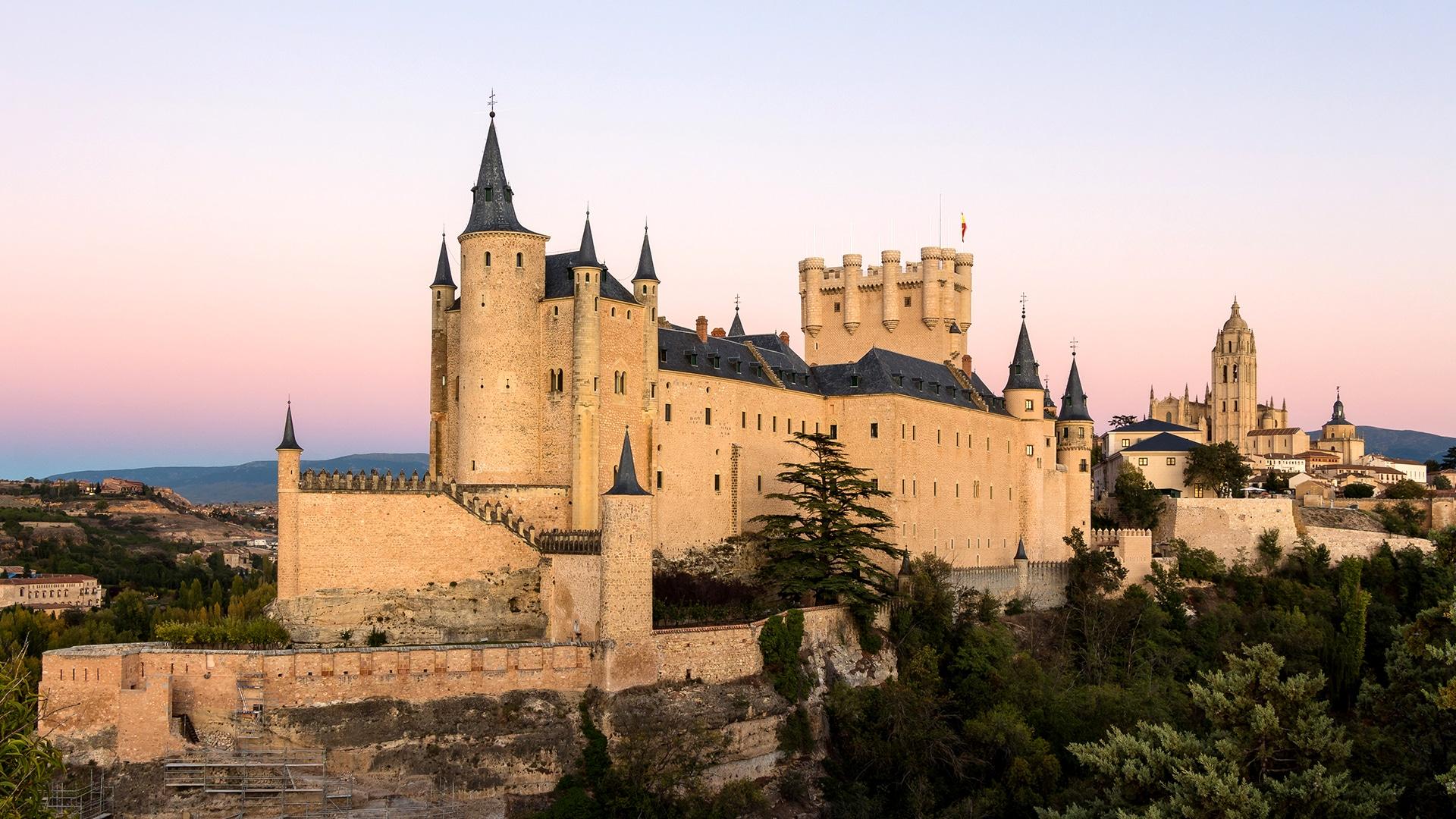 Castles_SpainInside_AlcazarSegovia2