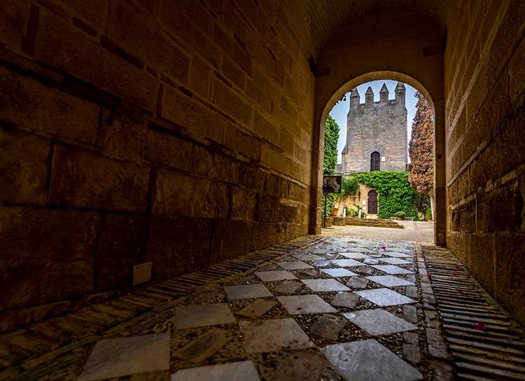 Castles_SpainInside_Almodovar2