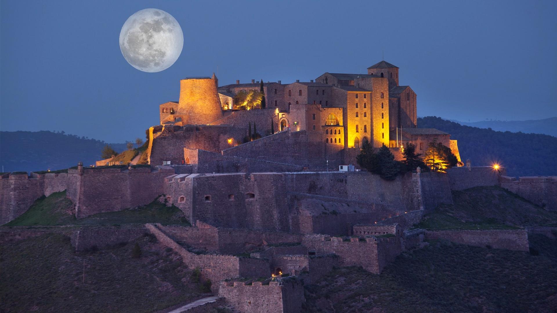 Castles_SpainInside_Cardona