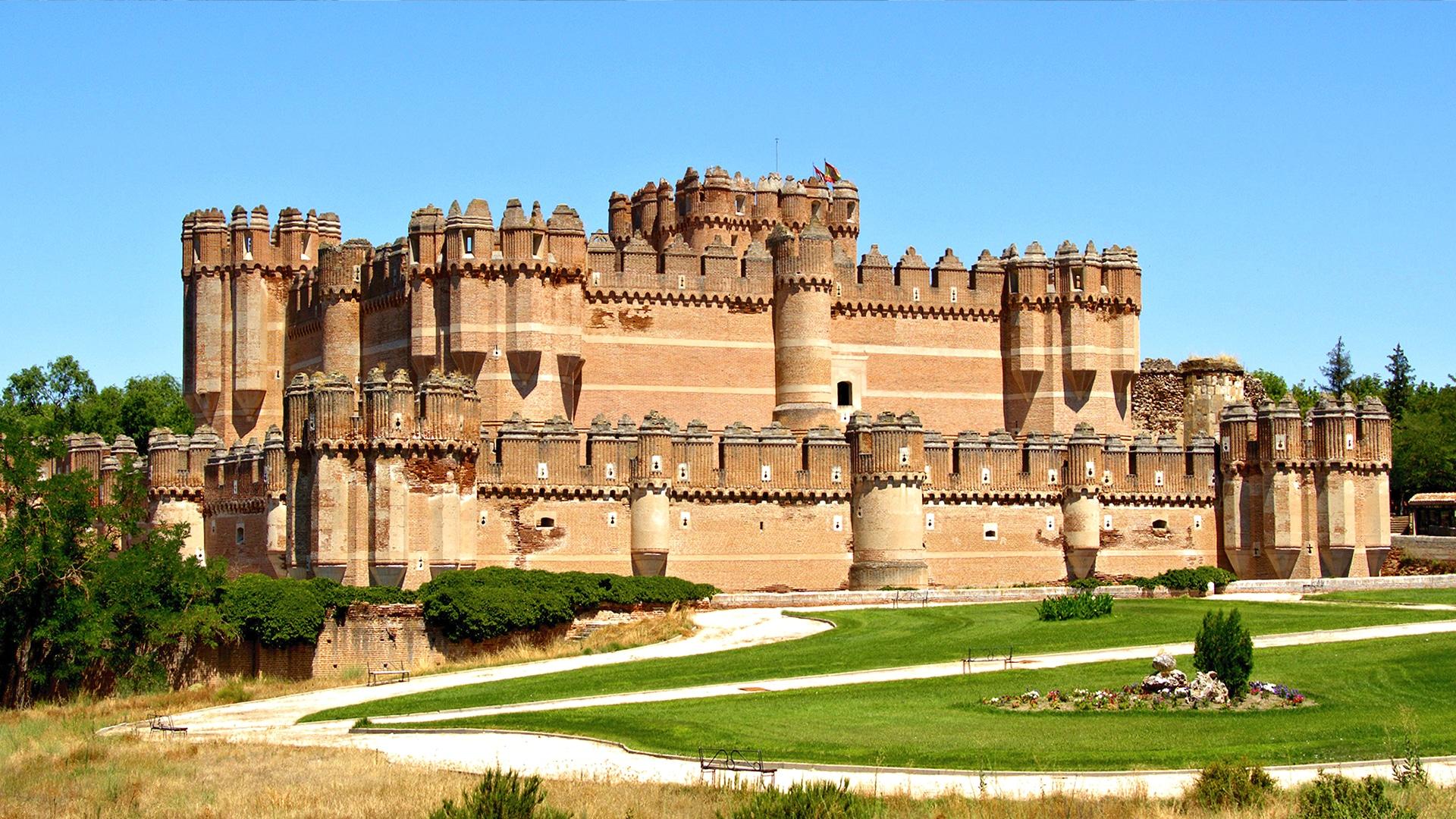 Castles_SpainInside_Coca